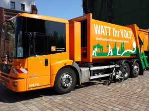 Elektrifiziertes Müllsammelfahrzeug der BSR