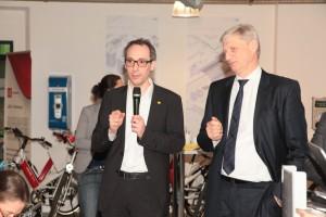 Vertreter der BVG und der TU Berlin